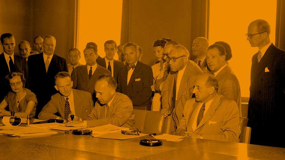 1951 haben 12 Staaten die Genfer Flüchtlingskonvention unterzeichnet. Credit Arni/UN Archive